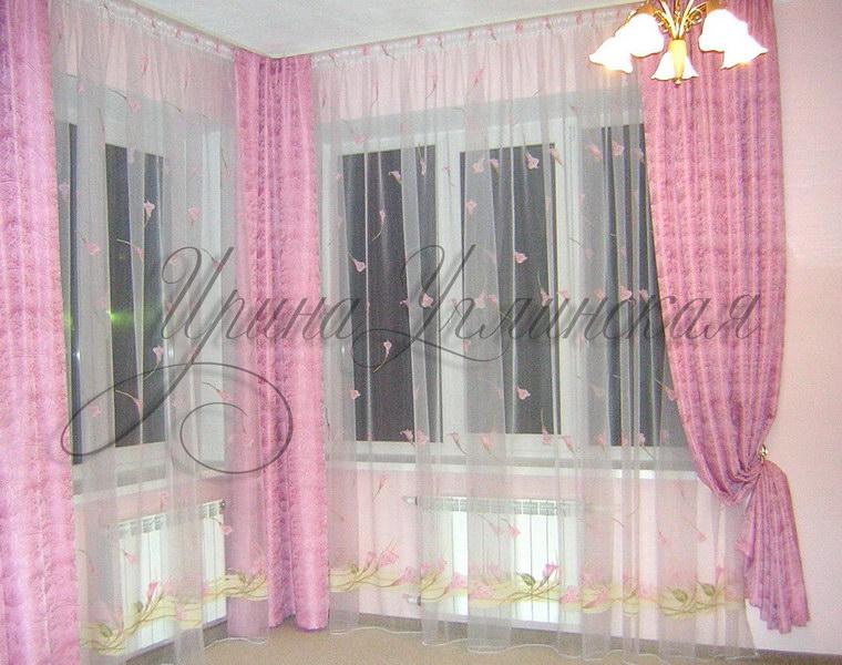 шторы в угловую комнату с двумя окнами фото
